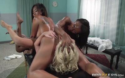 Смотреть порно с страстными негритянками в hd
